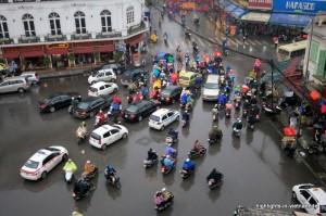 Verkehr in Hanoi: Ein Chaos