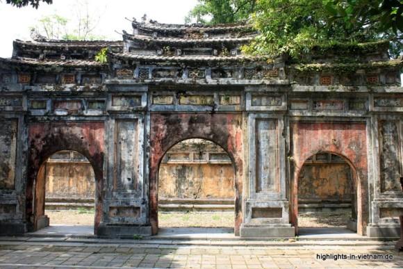 Altes Tor in der Zitadelle von Hue